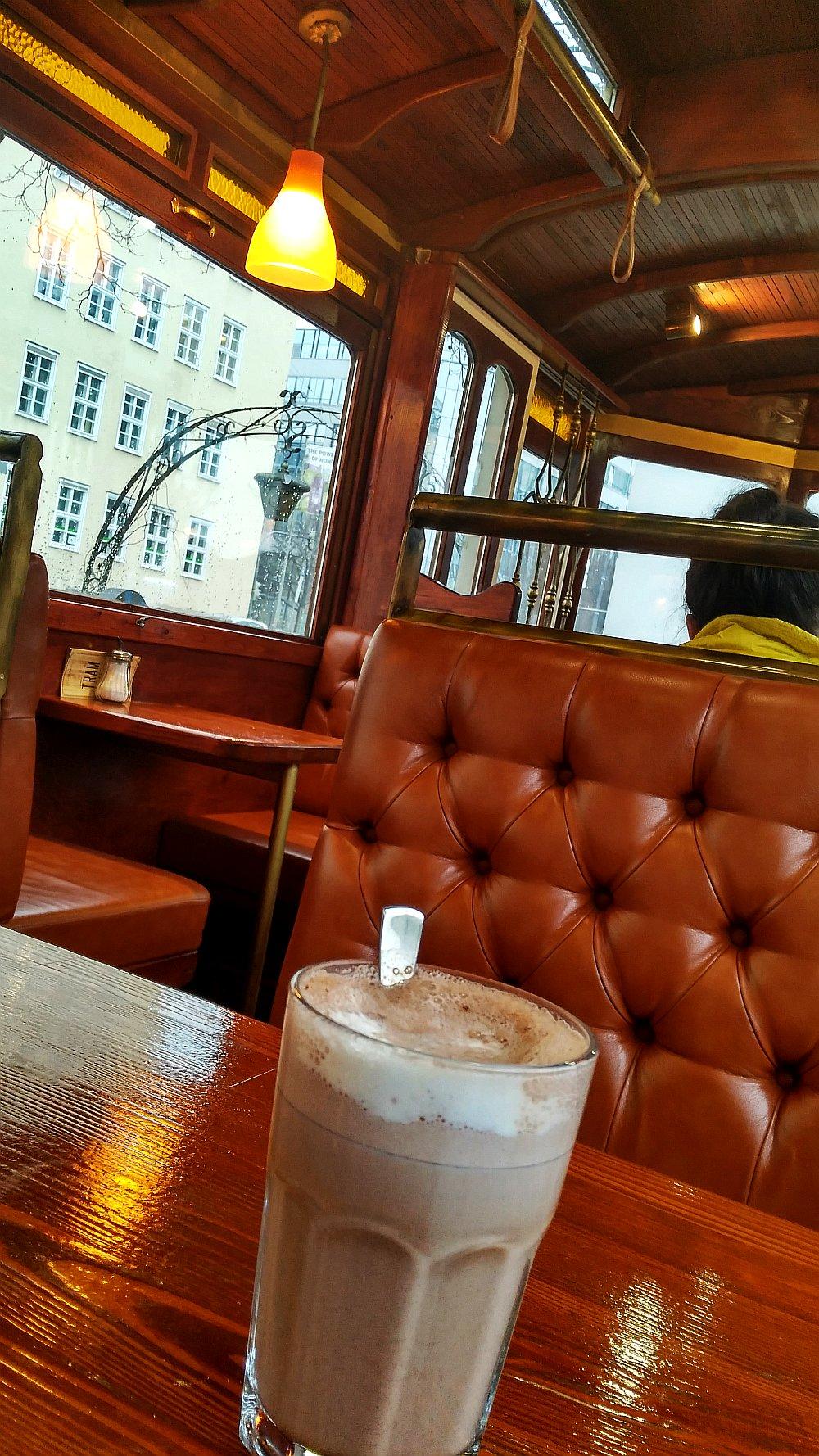 tramcafe2